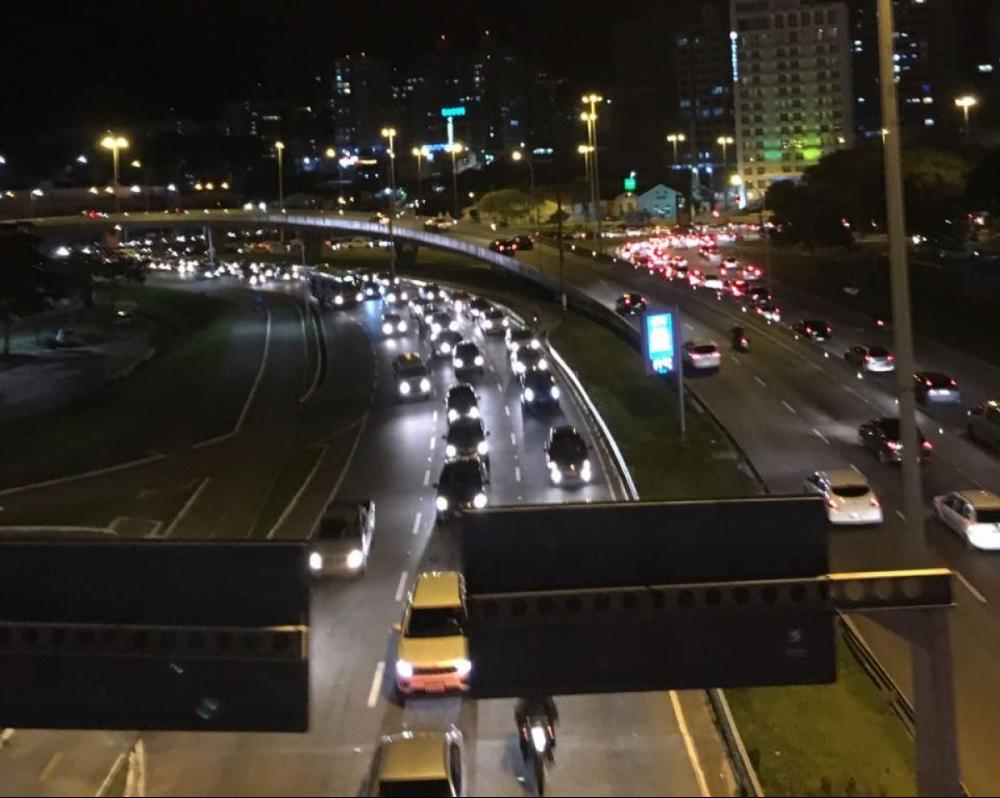 Trânsito em Florianópolis - Diogo de Souza/ND