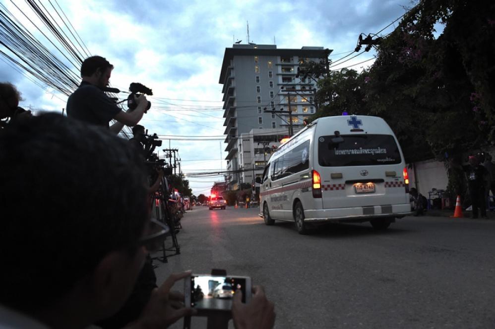 As cinco últimas pessoas foram resgatadas da caverna na manhã desta terça-feira - Lillian SUWANRUMPHA /AFP/ND
