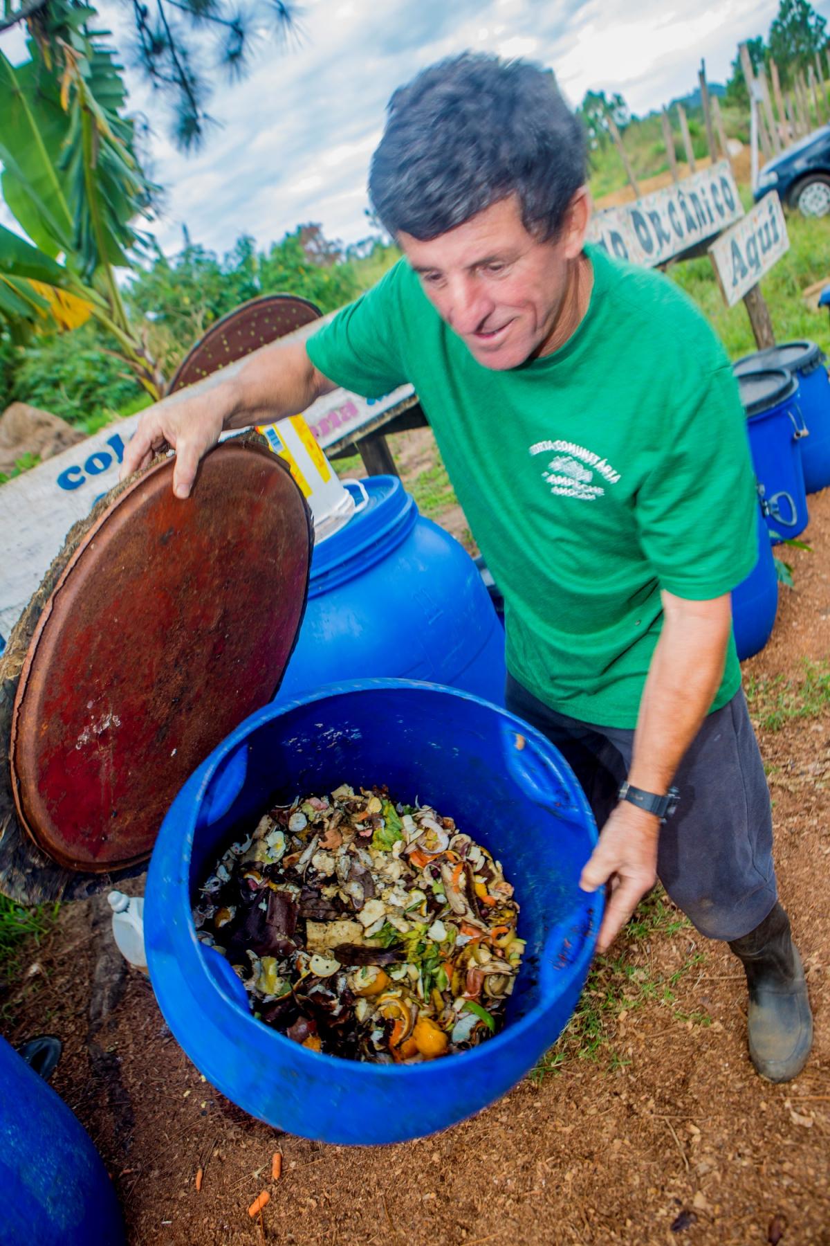 Ataíde é um dos articuladores do ponto de coleta de resíduos orgânicos  - Flávio Tin/ND