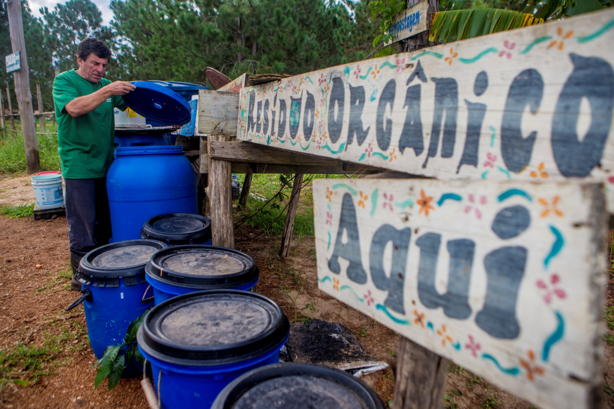 O texto proíbe a destinação desses resíduos orgânicos aos aterros sanitários e à incineração no município. Foto: RICTV Record SC.
