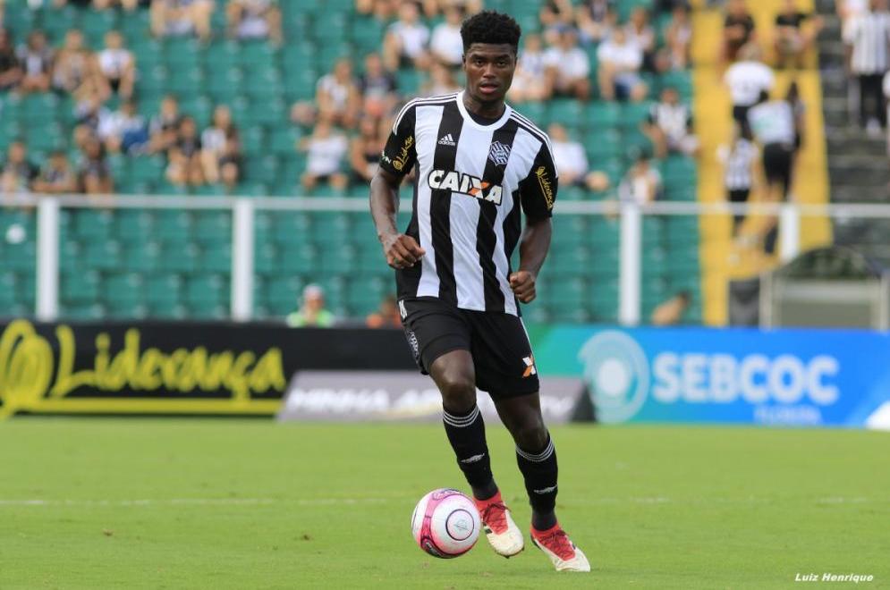 Zagueiro Eduardo substitui Ygor Nogueira, suspenso pelo terceiro cartão amarelo - Luiz Henrique/Figueirense/Divulgação
