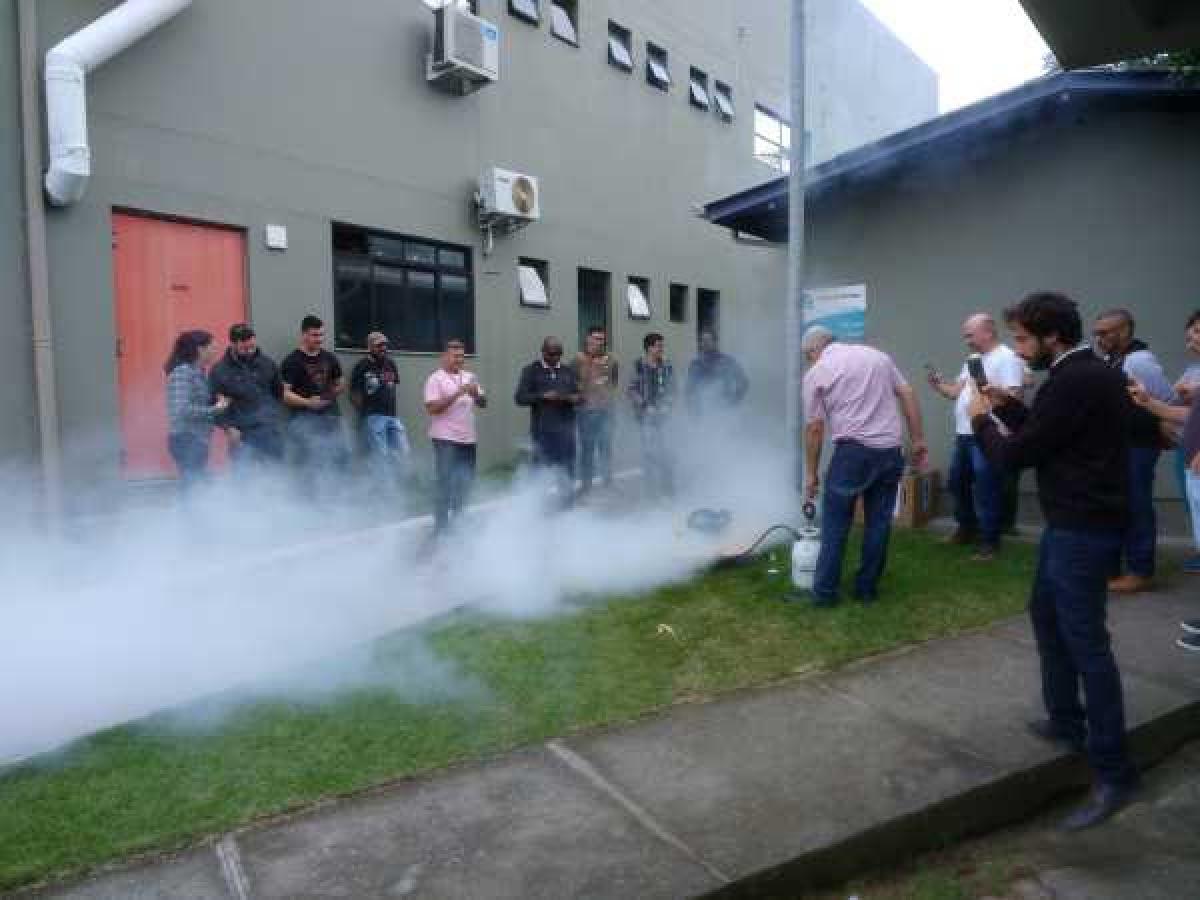 Teste de fumaça é a nova solução da Casan para localizar ligações irregulares de esgoto - Casan/Divulgação/ND