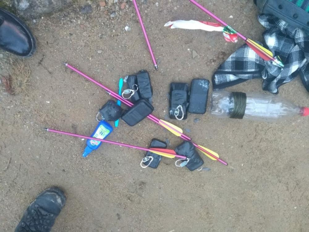 Os objetos lançados para os  presos foram apreendidos e encaminhados à Polícia Civil - Divulgação/ND