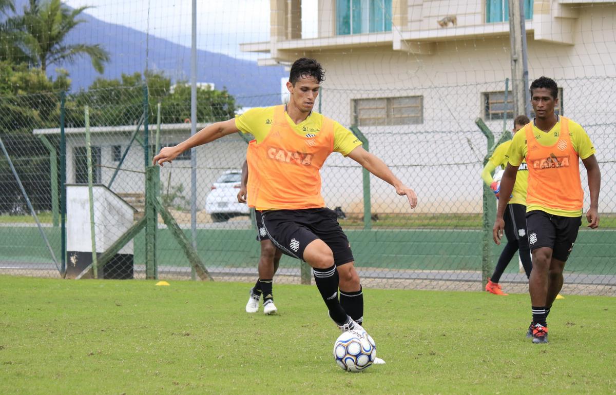 Henan vive longo jejum e pode ter mais uma oportunidade nesta terça-feira - Luiz Henrique/Figueirense FC/divulgação