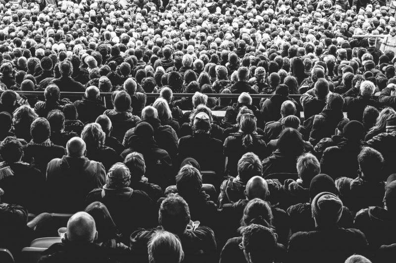 Não podemos ser só espectadores: a democracia espera muito mais de nós – Foto: Pixabay