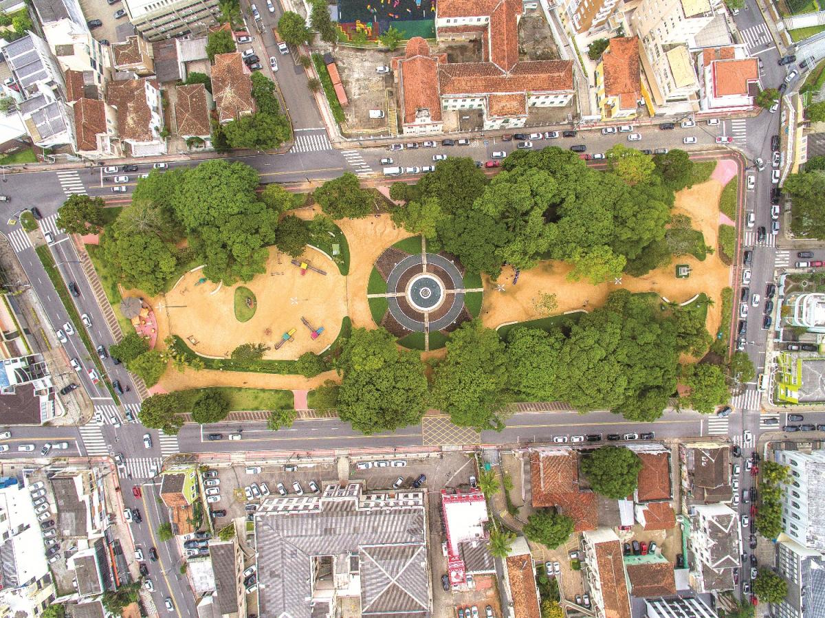 O drone, evolução da fotografia , sobre a praça Getúlio Vargas - Flávio Tin/ND