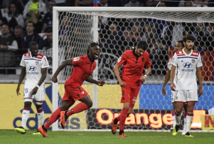 Saint-Maximin comemora gol (Foto: AFP)