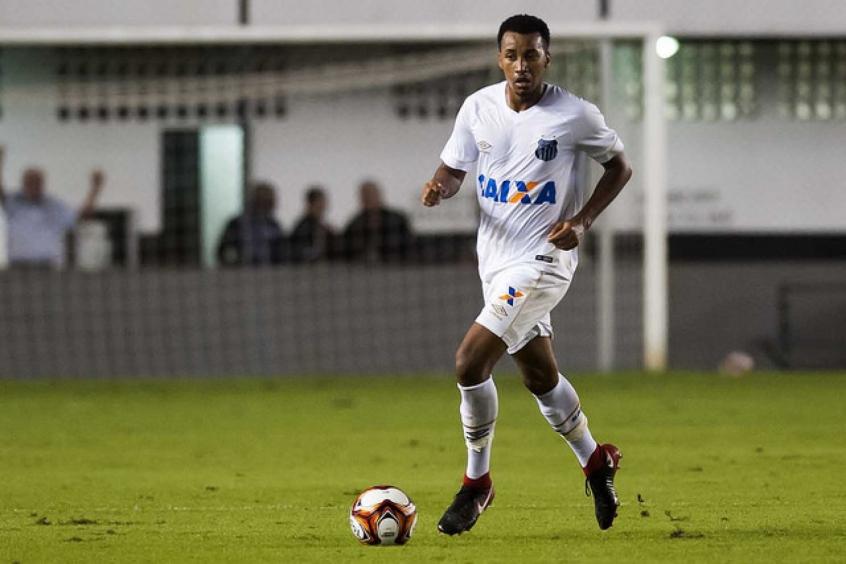 Cuca não terá Veríssimo à disposição contra o Vasco e utilizará Juliano do sub-23 (Foto: Gabriela Brino)