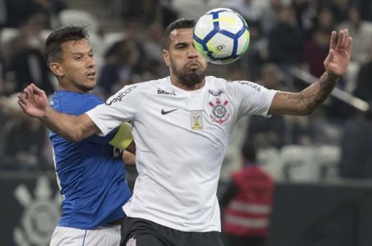 Jonathas se lesionou contra o Cruzeiro - Daniel Augusto Jr