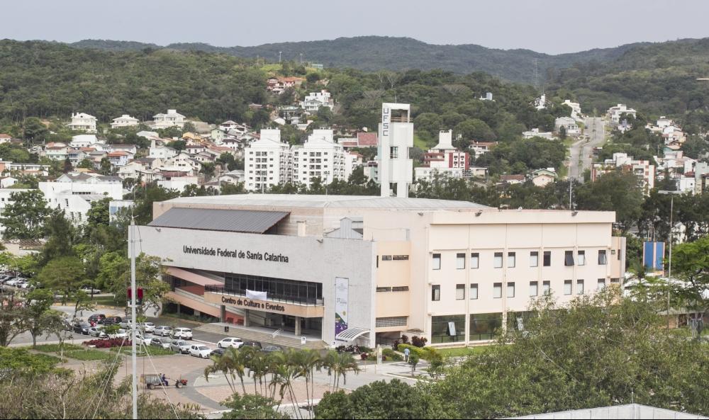 MPF/SC apurou que estudantes da UFSC já graduados não podem participar de programas de assistência estudantil - Marco Santiago/Arquivo/ND