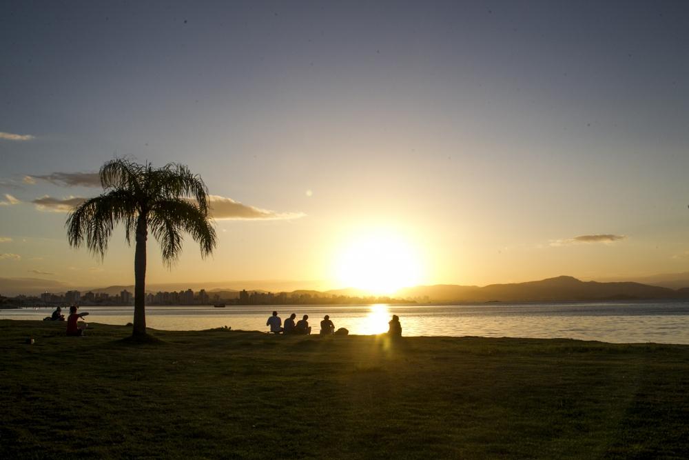 Previsão é que o tempo ensolarado predomine no feriado de Páscoa, em Florianópolis - Marco Santiago/ND
