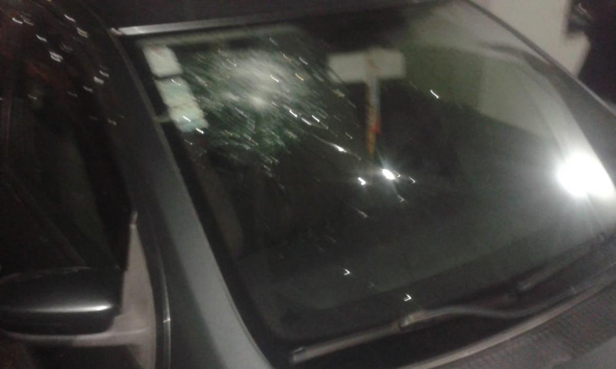 Carros depredados no estádio da Ressacada, setor da torcida visitante - divulgação/ND