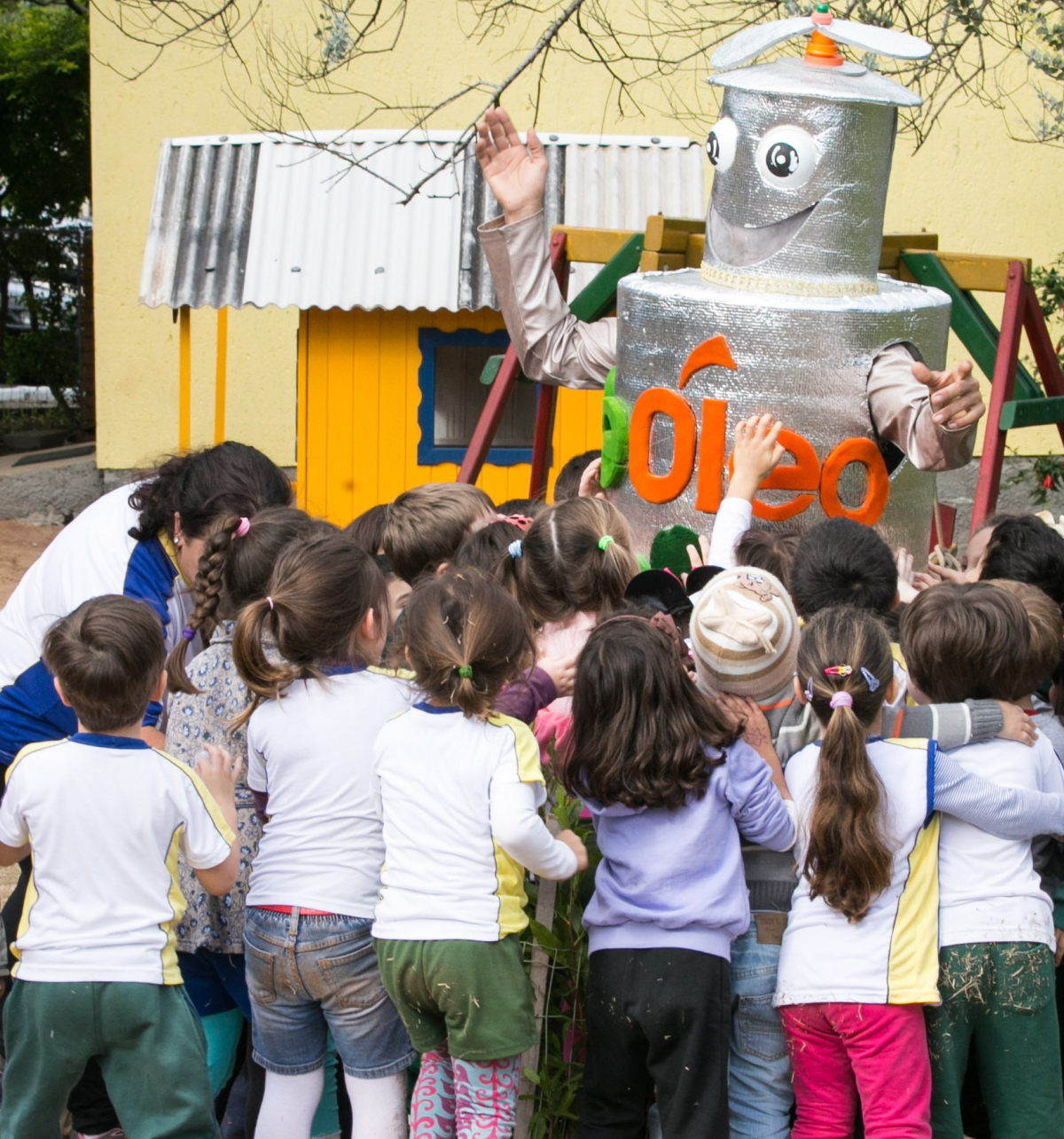 Estudantes aprendem sobre a importância da preservação ambiental e ajudam a multiplicar a ideia - Renato Gama/Divulgação