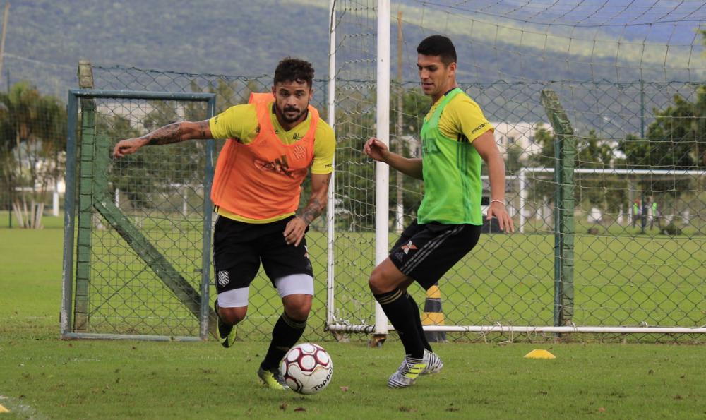 Figueirense treina no CFT do Cambirela - Luiz Henrique/Figueirense FC