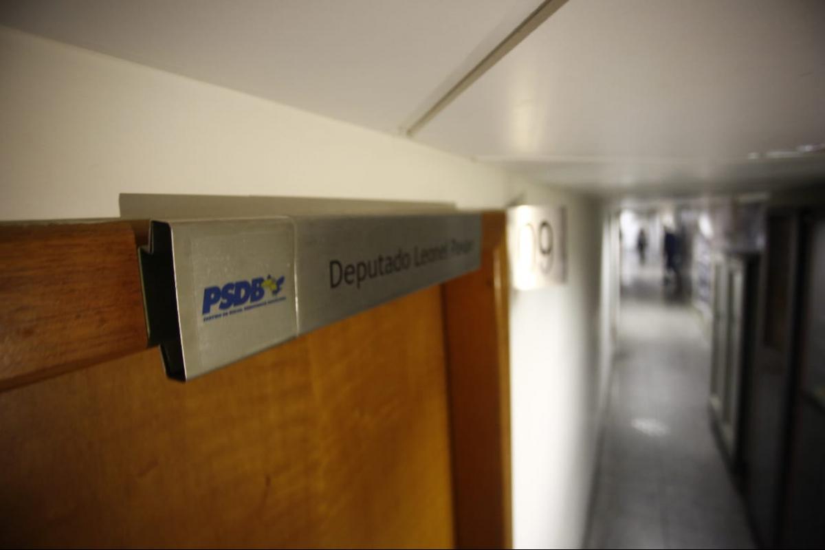 Buscas foram realizadas no gabinete do deputado Leonel Pavan, na Alesc - Daniel Queiroz/ND
