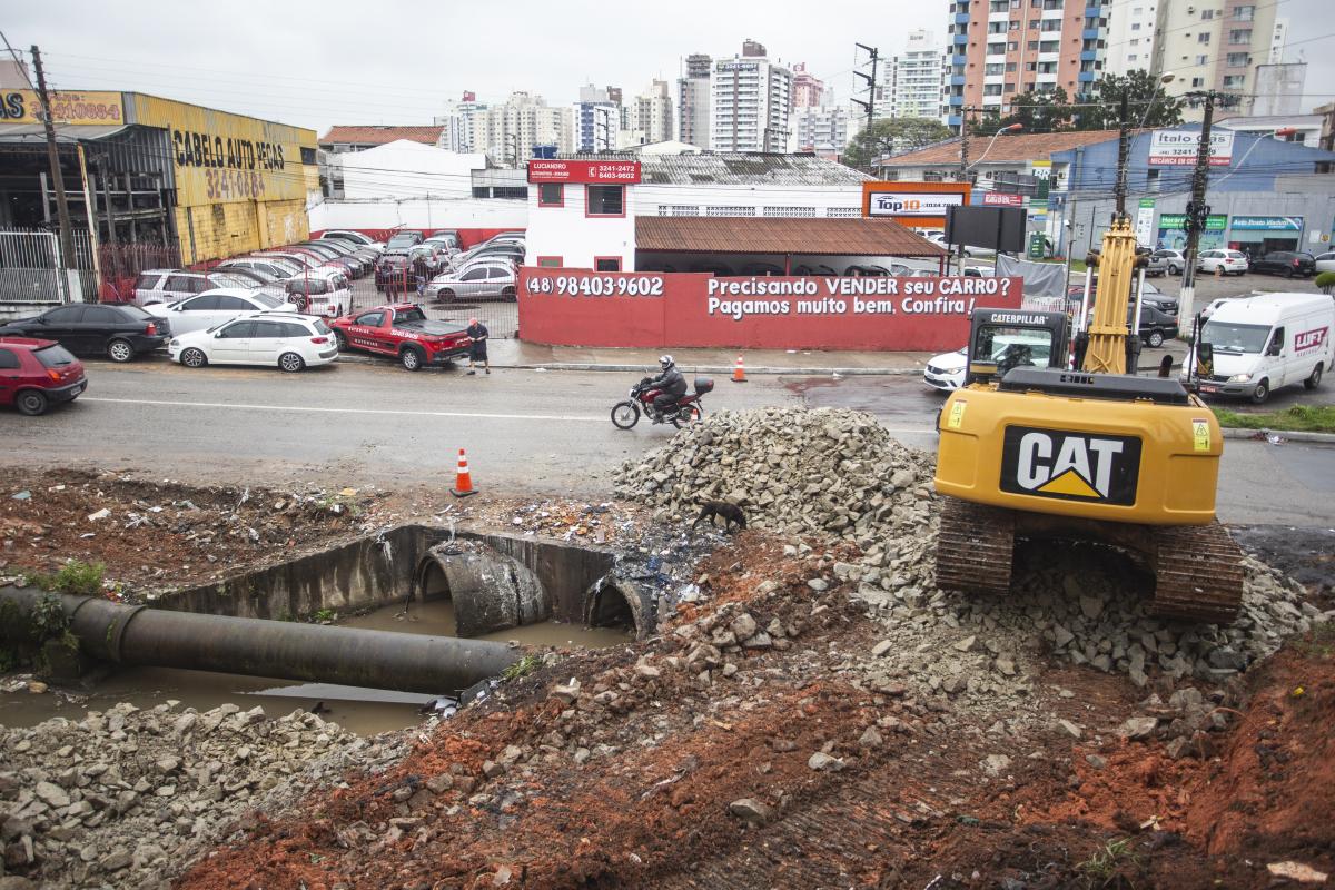 Região entre Florianópolis e São José será revitalizada após obras do Dnit - Daniel Queiroz/ND