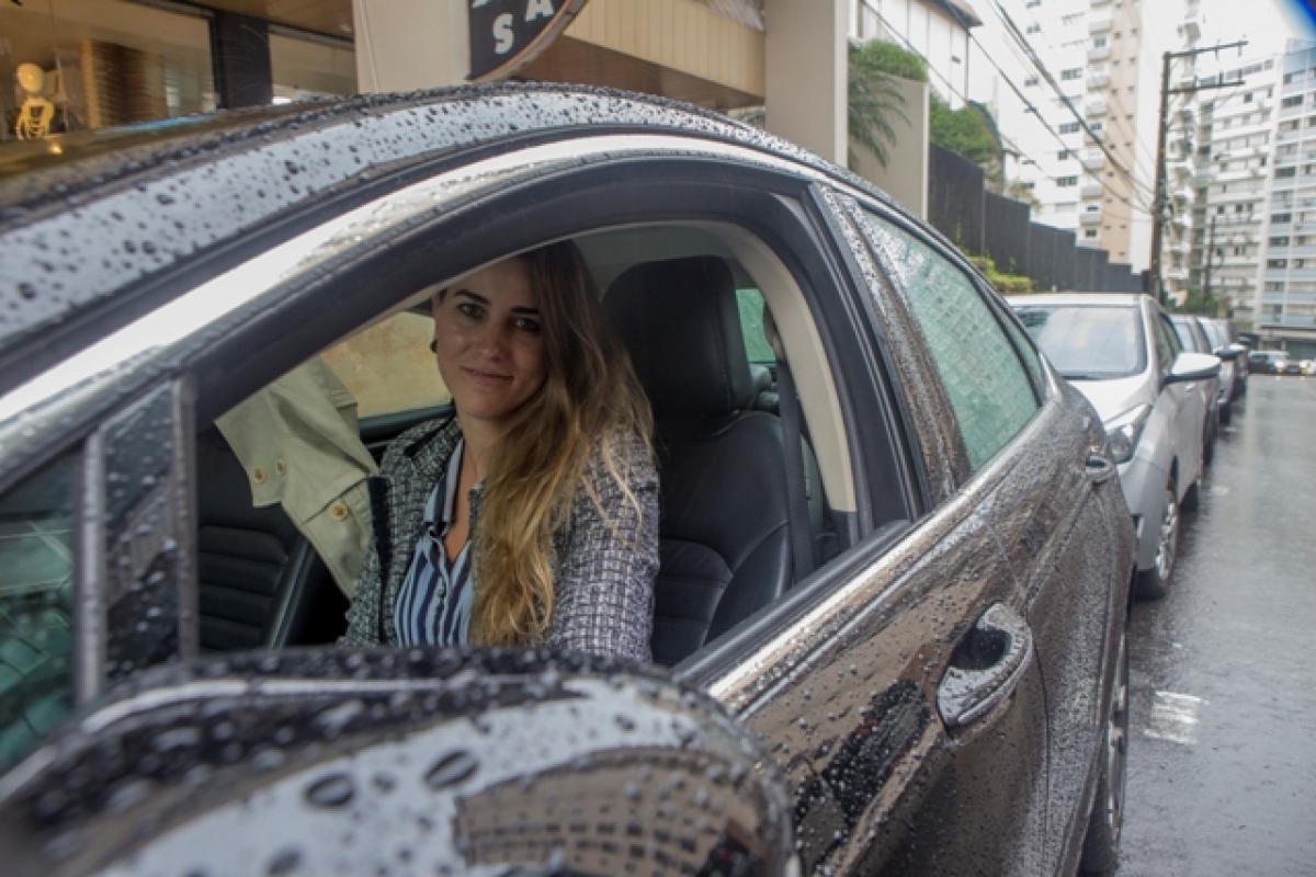 A advogada Juliana Schvambach tem dificuldade em encontrar vaga durante a semana - Flávio Tin