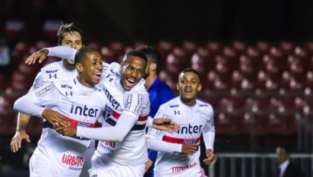 No primeiro turno, São Paulo venceu o Paraná por 1 a 0 no Morumbi. O gol foi de Bruno Alves  -  MARCELLO FIM / RAW IMAGE
