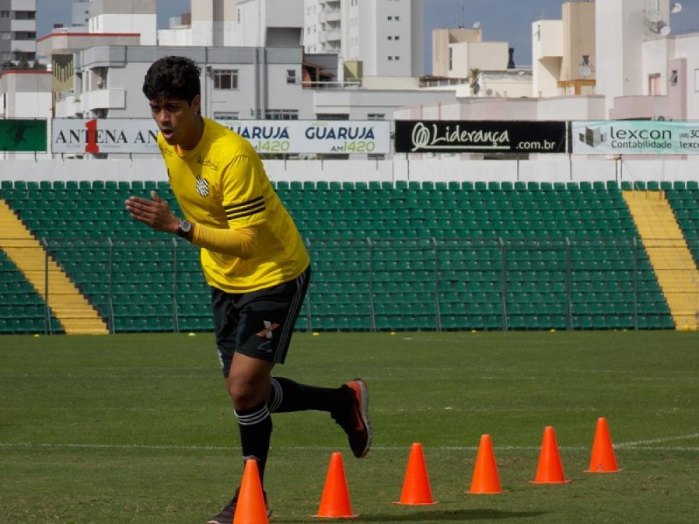 Treinamento do Figueirense com o retorno do volante Betinho - Figueirense FC/divulgação