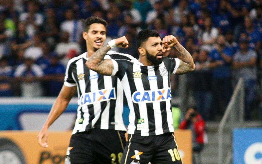 Gabriel marcou o primeiro gol do Santos na vitória por 2 a 1 diante do Cruzeiro, em Minas(Foto: Rodney Costa/Eleven) -