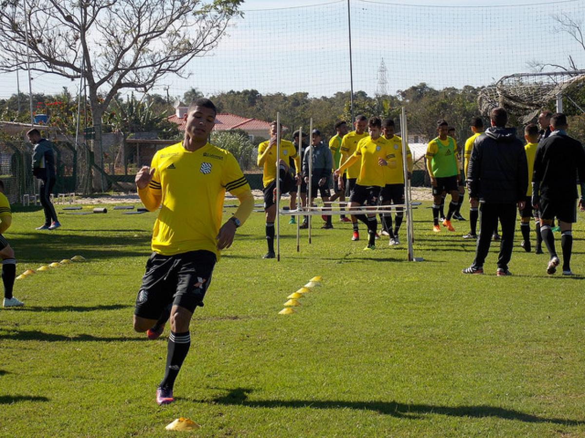 Pereira em treino desta segunda-feira, em Palhoça - Andrey Oliveira/Figueirense FC/divulgação