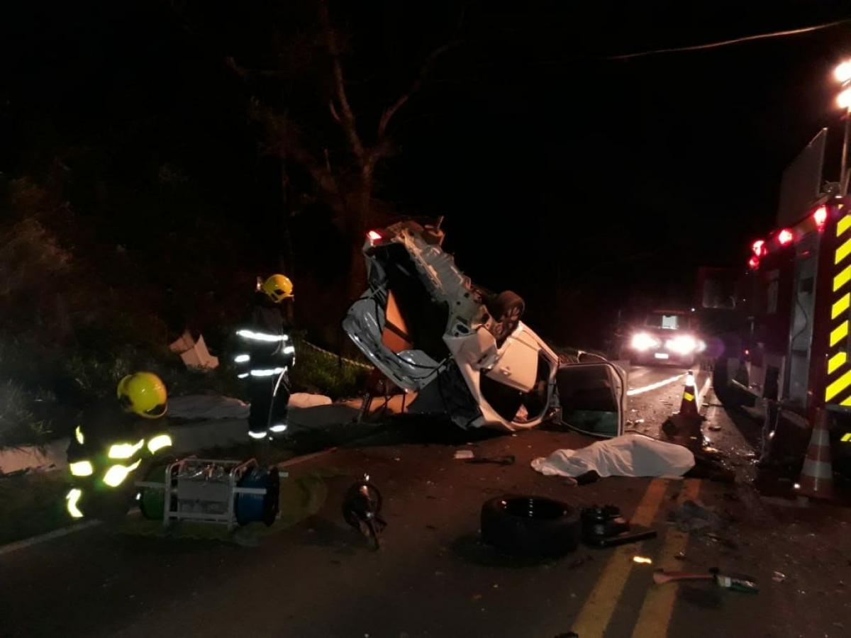 Quatro pessoas morreram em acidente próximo a Chapecó - Corpo de Bombeiros - Chapecó