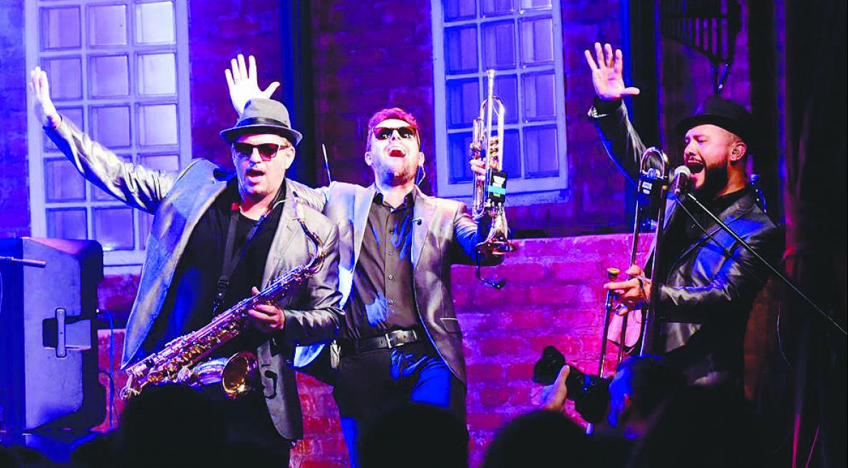 Big Time Orchestra apresenta releituras de músicos, como Ray Charles, Beatles e Elvis Presley - Divulgação/ND