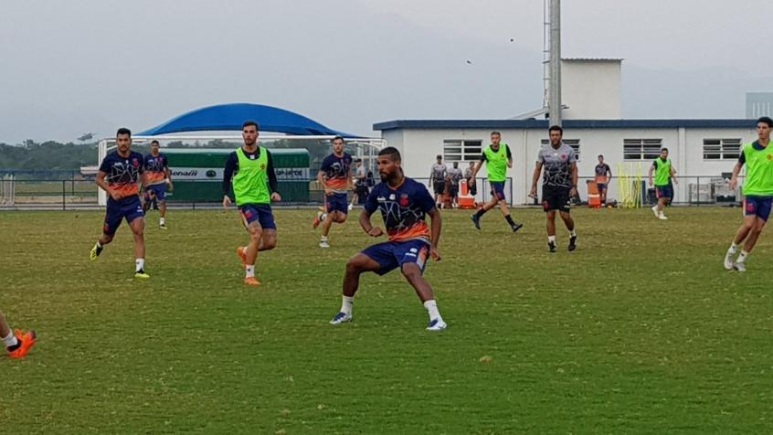 Willian Maranhão treina com o Vasco e está regularizado, mas não foi anunciado oficialmente (David Nascimento)