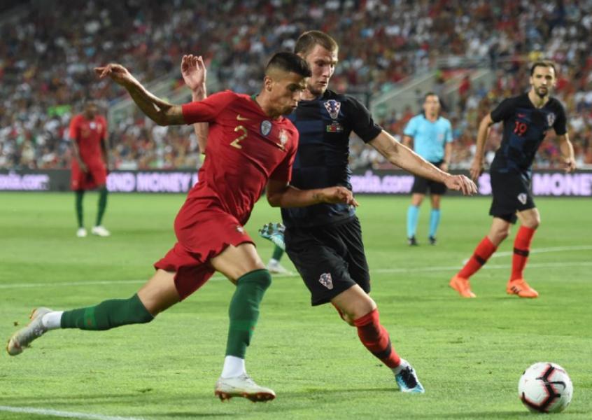 Resultado neutro marcou primeira aparição das equipes após a Copa do Mundo (Foto: AFP)
