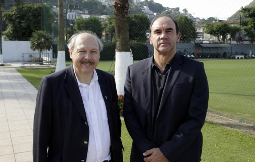 Presidente José Carlos Peres ao lado do gerente executivo de futebol Ricardo Gomes (Foto: Santos/Divulgação)