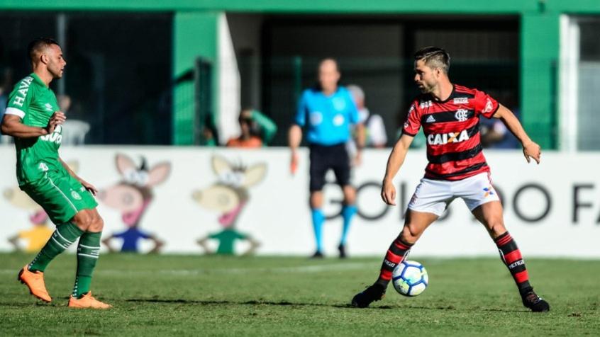 Diego deve voltar ao time titular do Flamengo depois de cumprir suspensão (Foto: Staff Images / Flamengo)