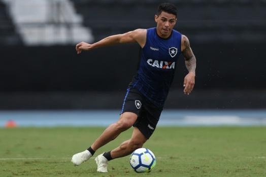 Imagens de Renatinho pelo Botafogo – Foto: (Foto: Vítor Silva/SSPress/Botafogo)