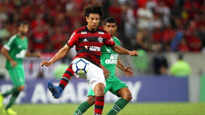 Willian Arão foi um dos destaques da partida no Maracanã (Foto: Paulo Sergio / AGENCIA F 8)