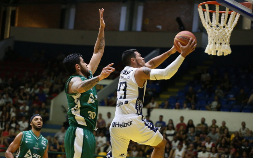 Partida foi equilibrada, mas o Bauru aproveitou melhor as oportunidades (Foto: Antonio Penedo/Mogi-Helbor.)