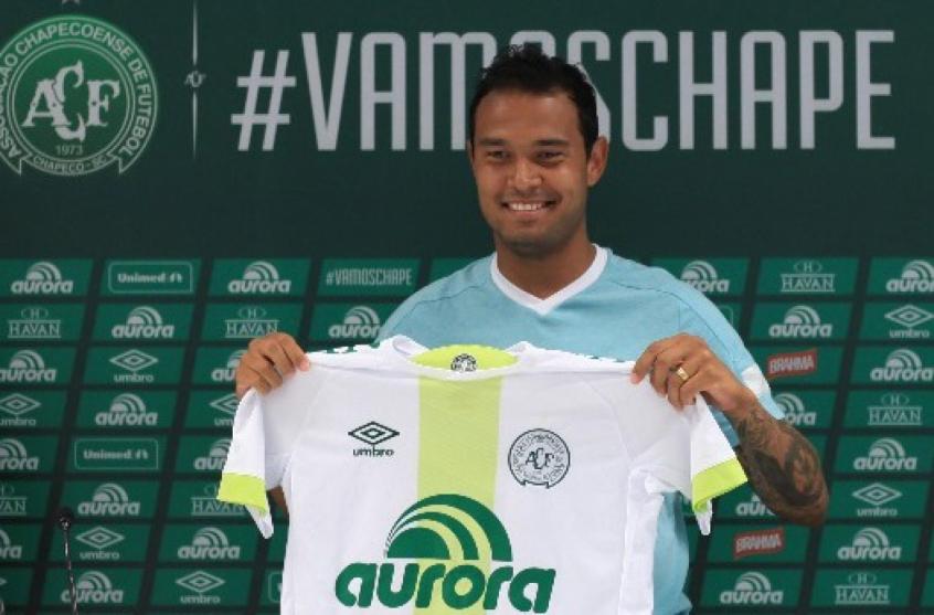 Vinicius foi revelado pelo Palmeiras e é o jogador mais jovem a estrear no clube (Foto: Sirli Freitas/Chapecoense)