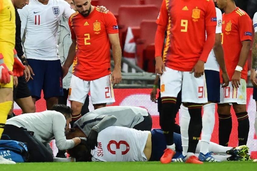 Jogador sofreu uma grande pancada na cabeça (Foto:AFP)