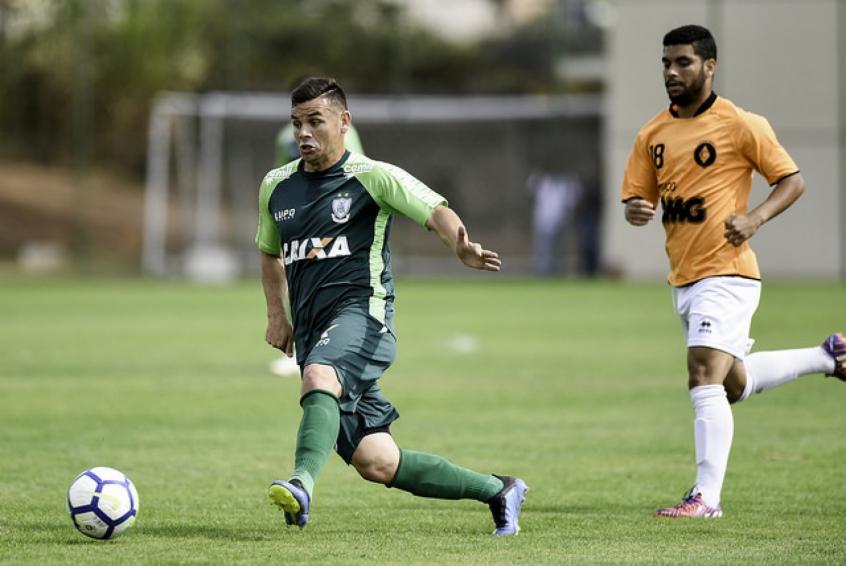 O meia está fora do time desde o jogo contra o Sport, no dia 22 de agosto- Divulgação