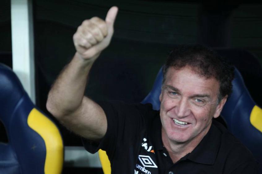 Feliz da vida: Cuca está invicto há quatro jogos no Campeonato Brasileiro de 2018 (Foto: Paulo Sergio/Agência F8)