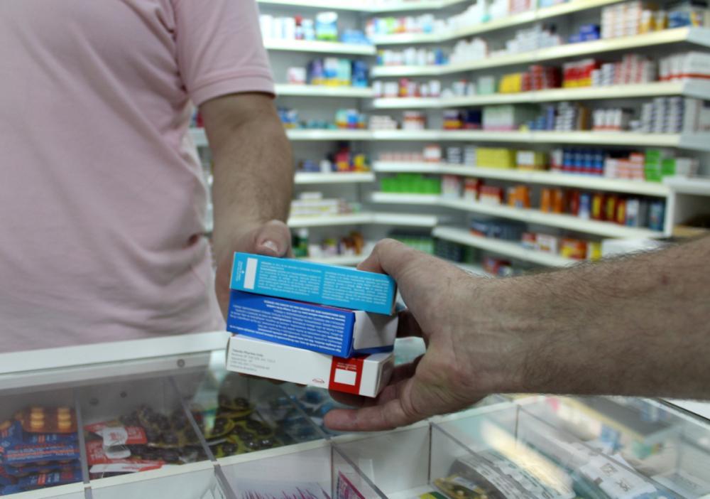 Em muitos casos, governo repassa recursos a pacientes para compra de remédios - Helena Marquardt/Secom/Divulgação/ND