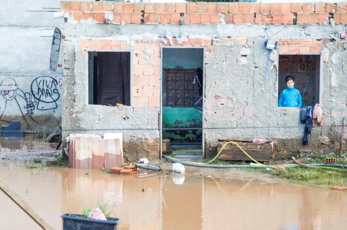 Famílias isoladas no Rio Vermelho - Marco Santiago
