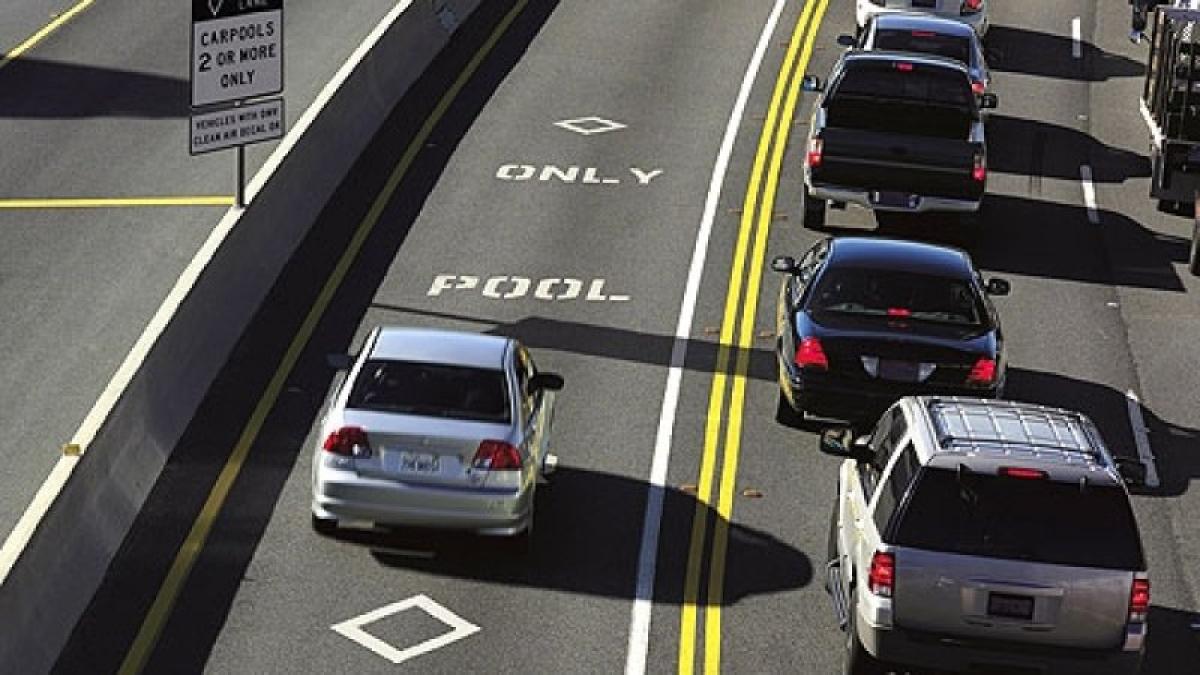 Estrada nos Estados Unidos mantém faixa exclusiva para incentivar as viagens compartilhadas - Divulgação/ND