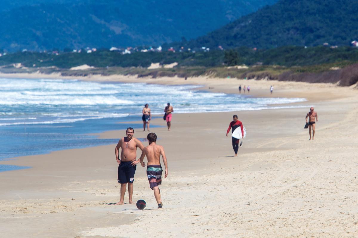 Previsão é de tempo firme e predomínio de sol em Santa Catarina neste feriadão - Flávio Tin/ND