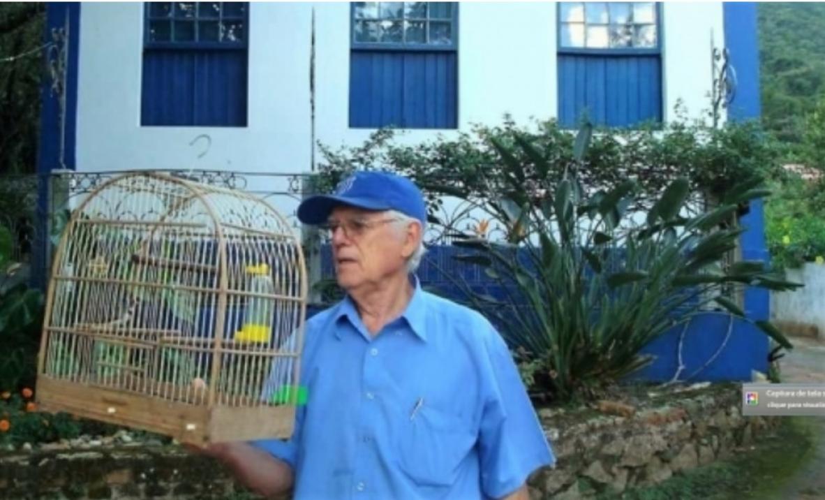 Típico manezinho, Nereu em frente ao seu Ecomuseu do Ribeirão da Ilha - Divulgação
