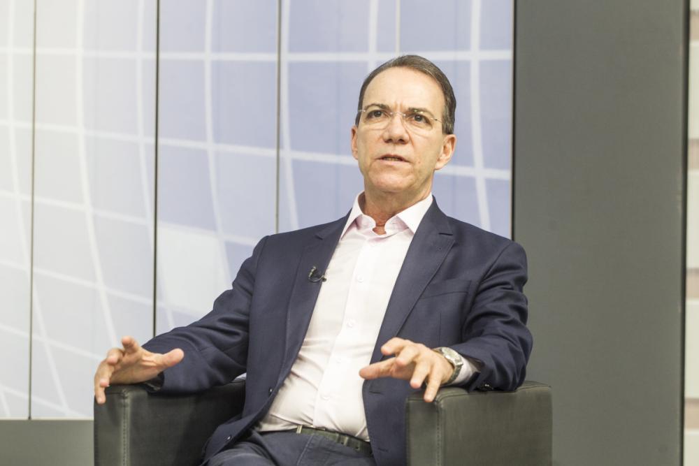 Candidato ao governo de Santa Catarina pelo PT foi sabatinado nesta quinta-feira em entrevista à Record News - Marco Santiago/ND