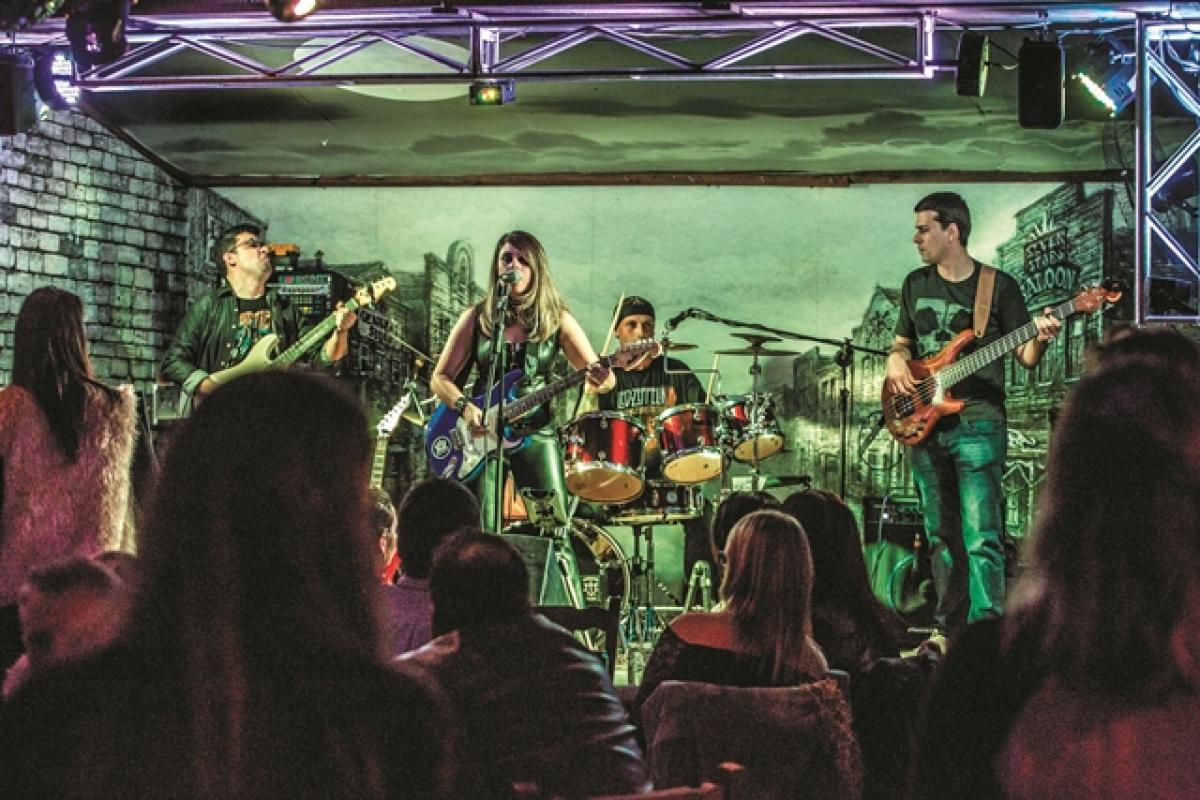 Grupo toca covers como Deep Purple, Pink Floyd, Led Zeppelin e Iron Maiden - Daniel Queiroz/Divulgação/ND