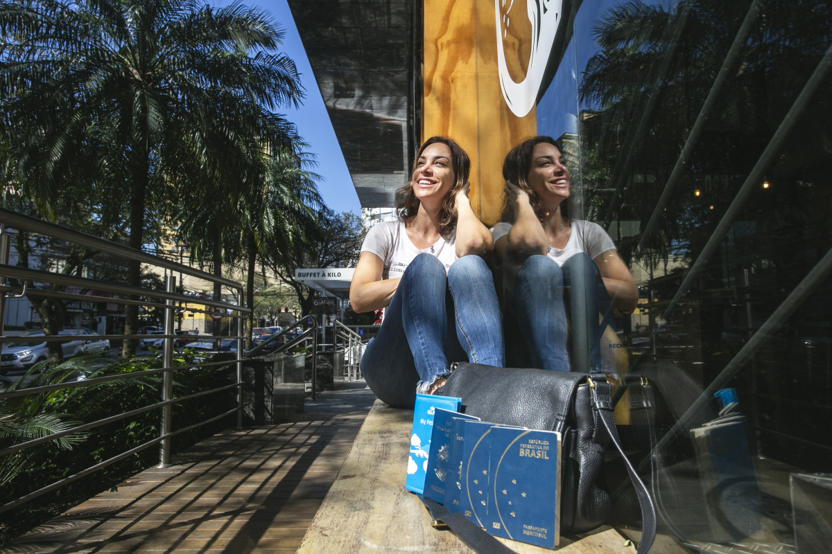 A bióloga Karina de Vasconcelos passou por mais de 30 países - Daniel Queiroz/ND
