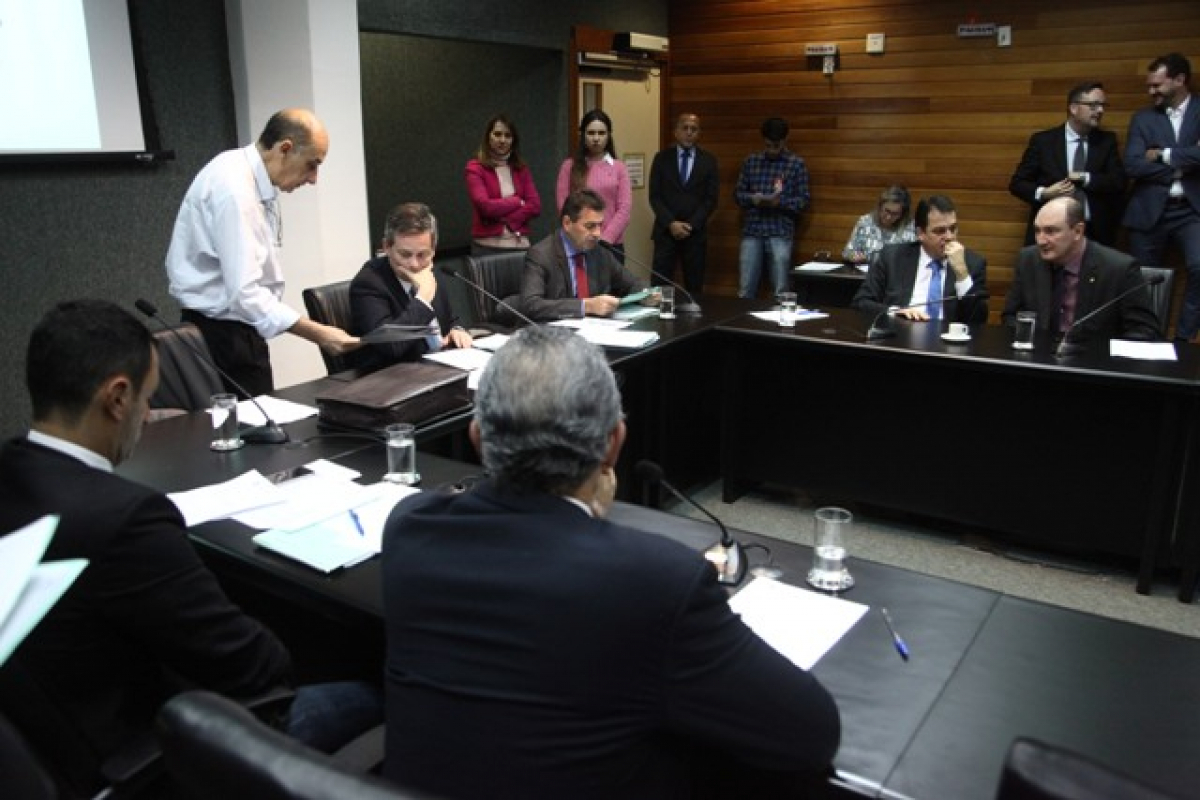 Reunião na CCJ na manhã desta terça-feira (11) - Luca Gebara /Agência AL