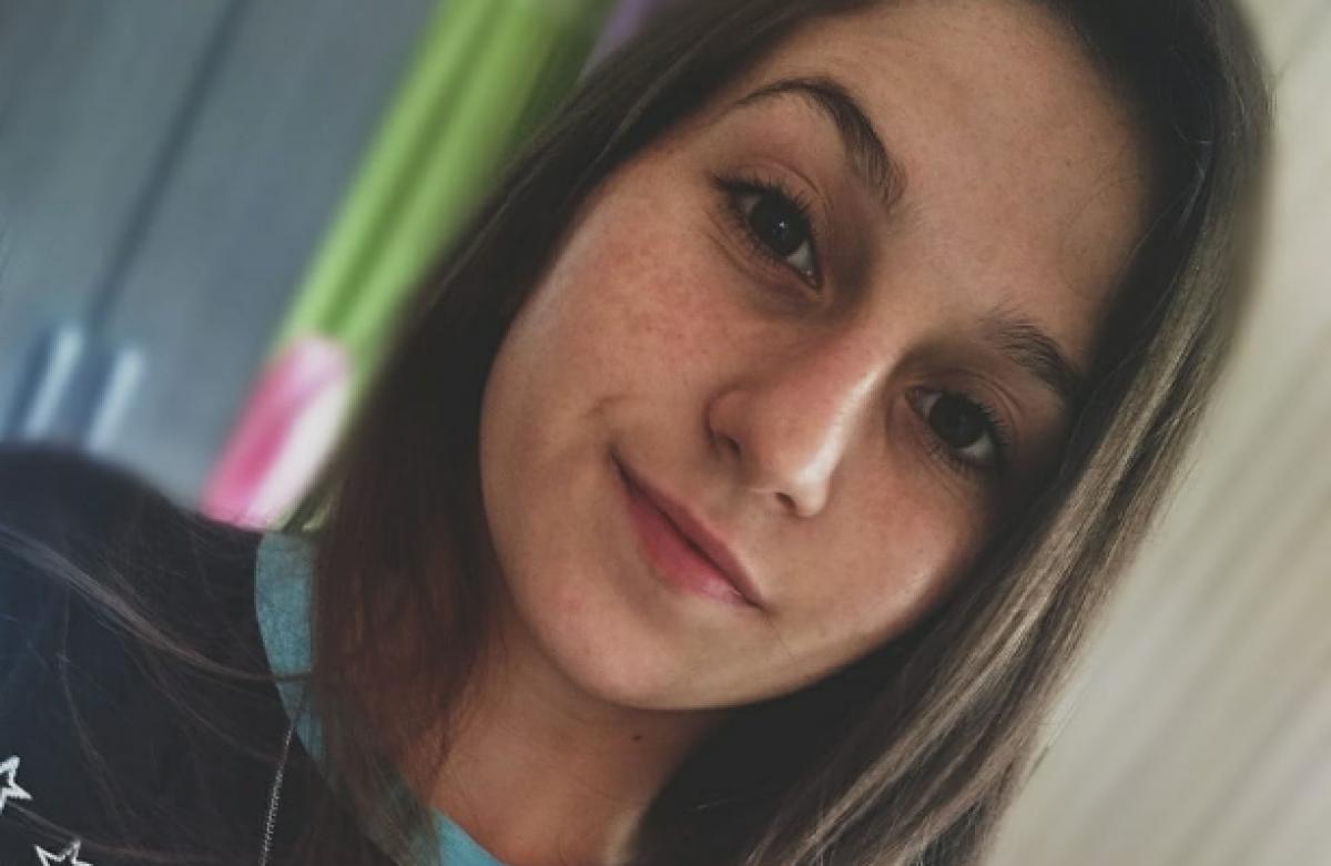 Samanta Melissa Cansi, 15 anos, morreu após ter sido arrastada por ônibus - Reprodução/Facebook