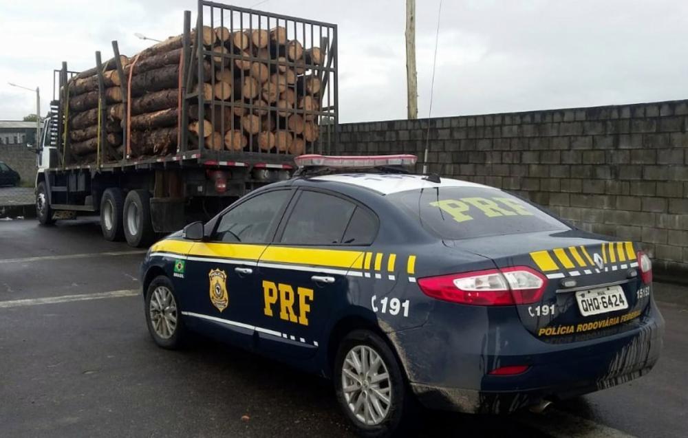 PFR fiscalizou veículos em Araranguá - Foto Divulgação ND
