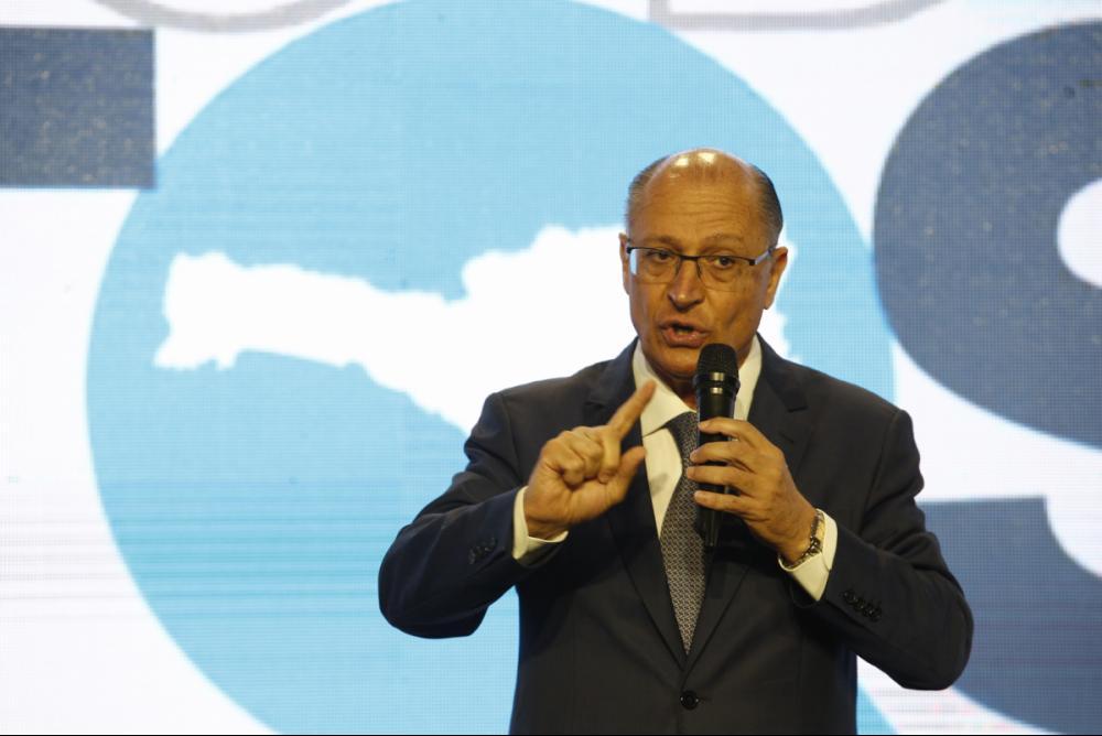 Geraldo Alckmin durante discurso no Congresso de Prefeitos em Florianópolis - Daniel Queiroz/ND